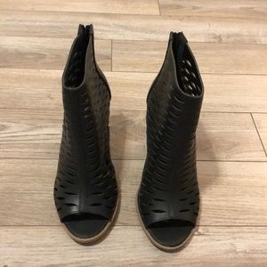 Maurices brand black sandals